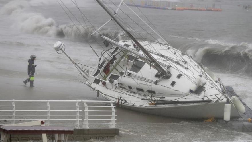 Una fuerte tormenta tropical se acerca a Japón y Corea del Sur