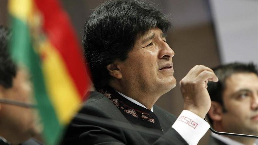 Oposición ve con escepticismo que Morales diga que dejará Presidencia en 2020