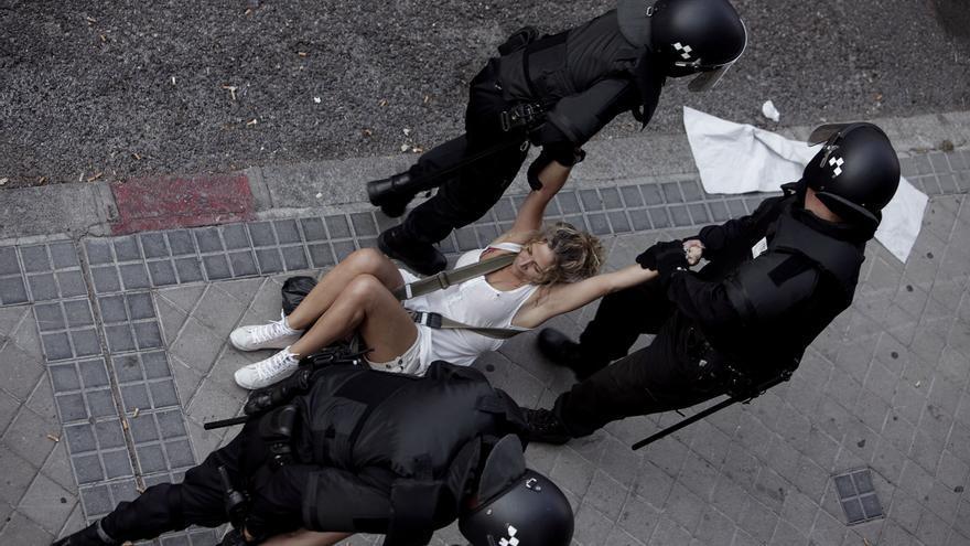 Actuación policial durante un desahucio reciente en Madrid. / Foto: Olmo Calvo