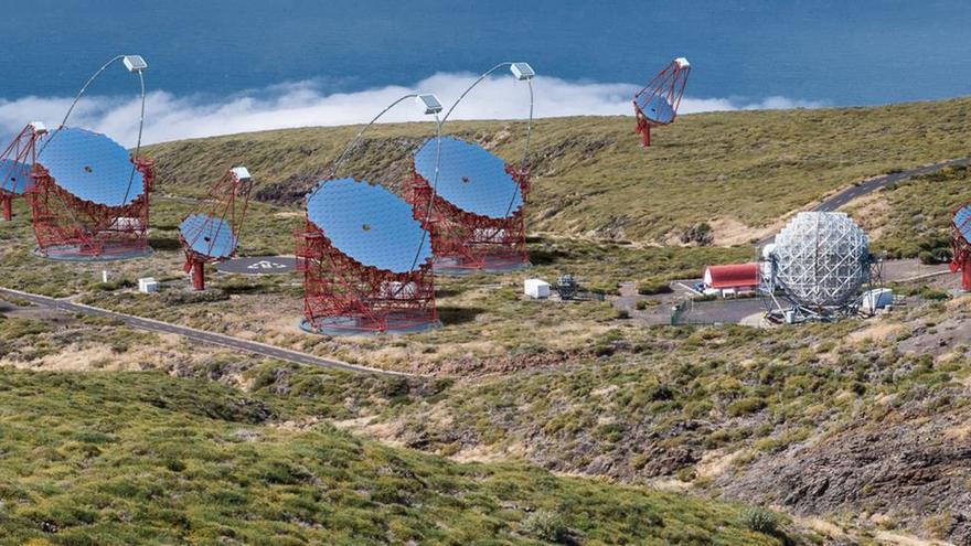 Recreación de la red de Telescopios Cherenkov en el Roque de Los Muchachos. Autor: Gabriel Pérez Díaz (IAC).
