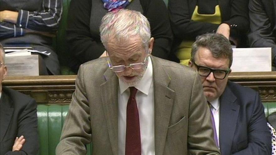 Corbyn reúne a la cúpula del Laborismo británico para decidir el voto sobre Siria