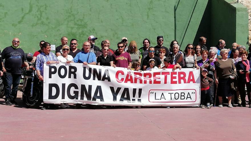 Un pueblo de Guadalajara incluye en su programa de fiestas una protesta para que le arreglen la carretera