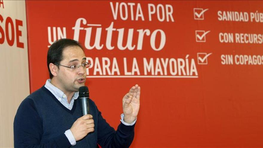 """Luena pide a Rajoy que """"no esconda"""" a Arístegui y De la Serna como a Bárcenas"""