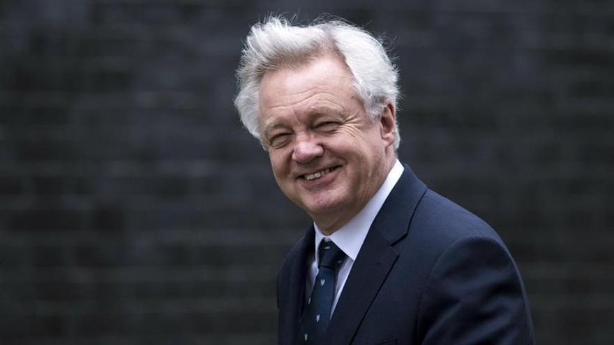 """Davis admite que no ha evaluado el impacto del """"brexit"""" sin acuerdo"""