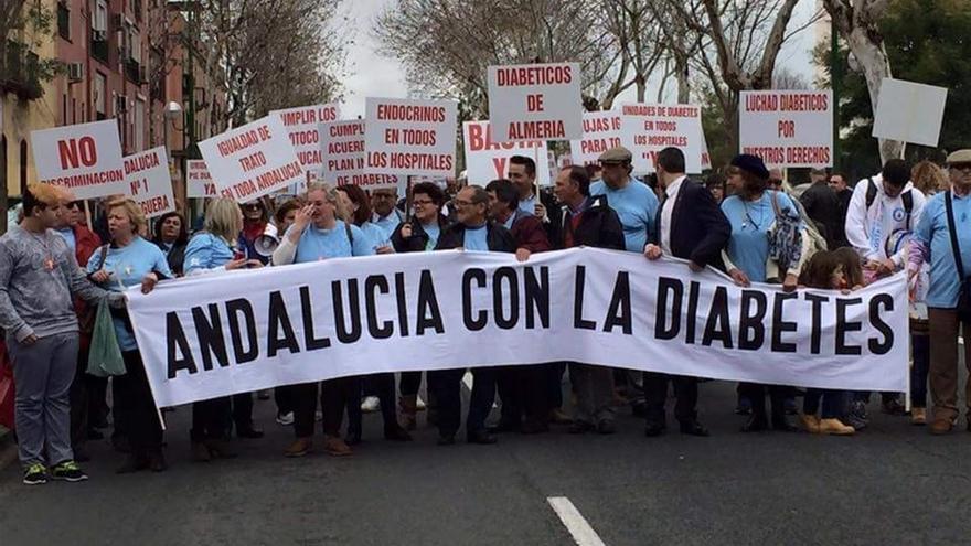 Imagen de la movilización de la federación andaluza por las calles de Sevilla.