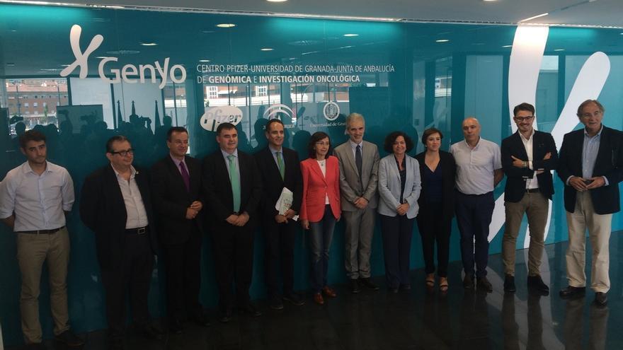 Junta y Universidad de Granada impulsan un banco de ADN para la identificación de víctimas de la Guerra Civil