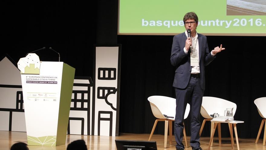 """El alcalde de Vitoria cree que el rechazo de EH Bildu a los presupuestos responde a """"una estrategia"""" de dejarles """"solos"""""""