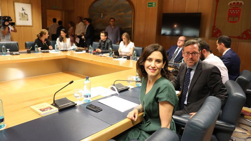 """PP seguirá trabajando """"igual"""" para tener acuerdo en Madrid pese a la fallida investidura de Lopez Miras en Murcia"""