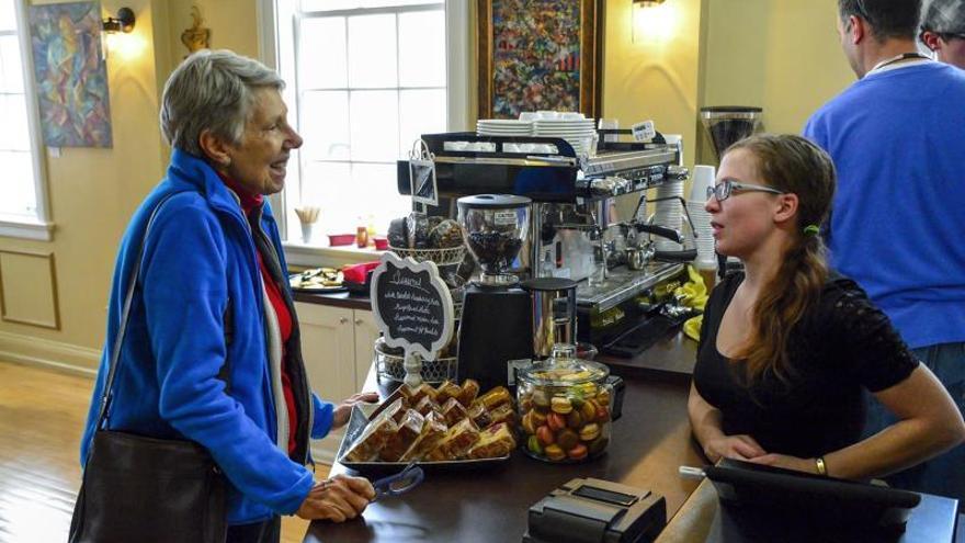 """Cierra el café """"con conciencia"""" de Denver por la política migratoria de Trump"""