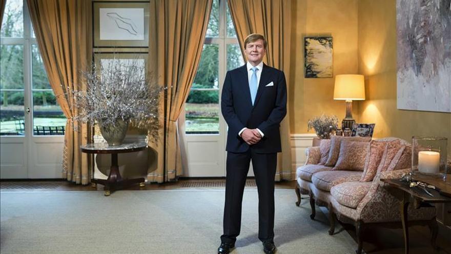 El rey de Holanda llama a luchar por la libertad frente al terrorismo