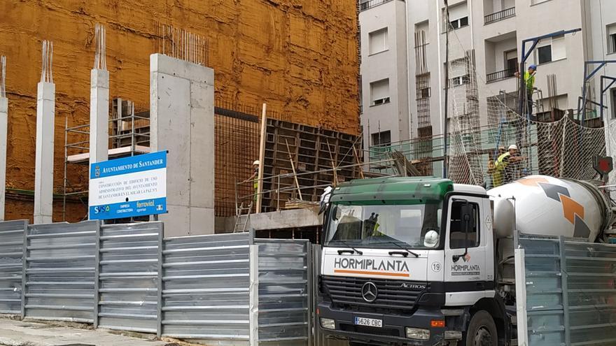 Obras de construcción del edificio municipal para Tributos del Ayuntamiento de Santander.