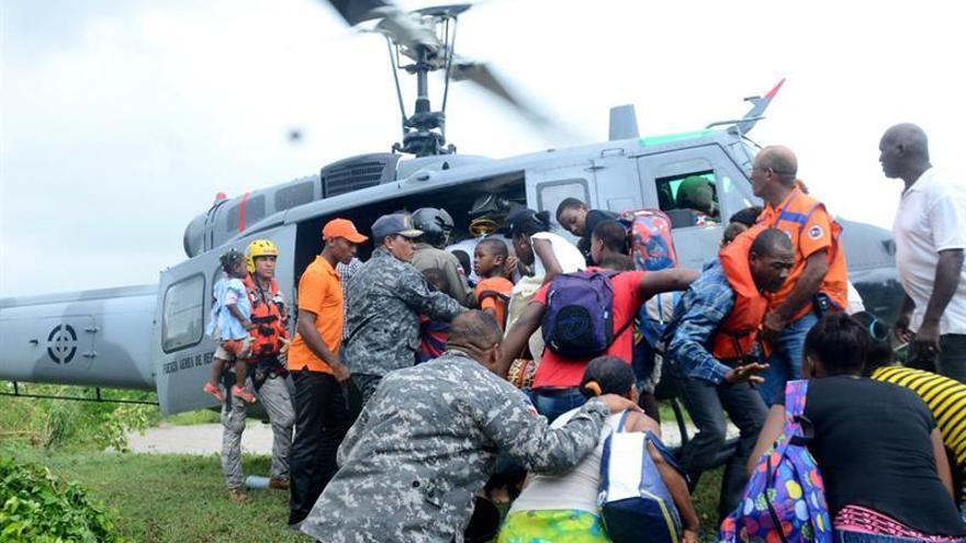 Miles de dominicanos siguen fuera de sus hogares a causa del huracán María