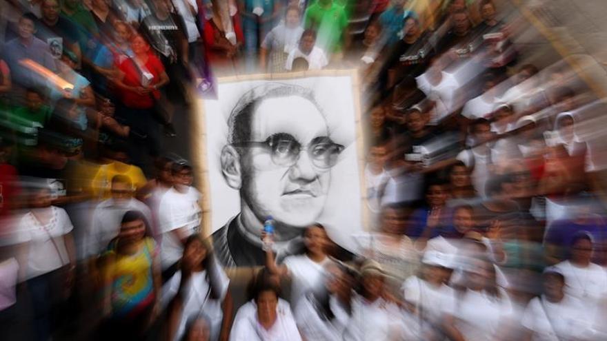 Fieles salvadoreños solo piden saber la verdad con la reapertura del caso Romero