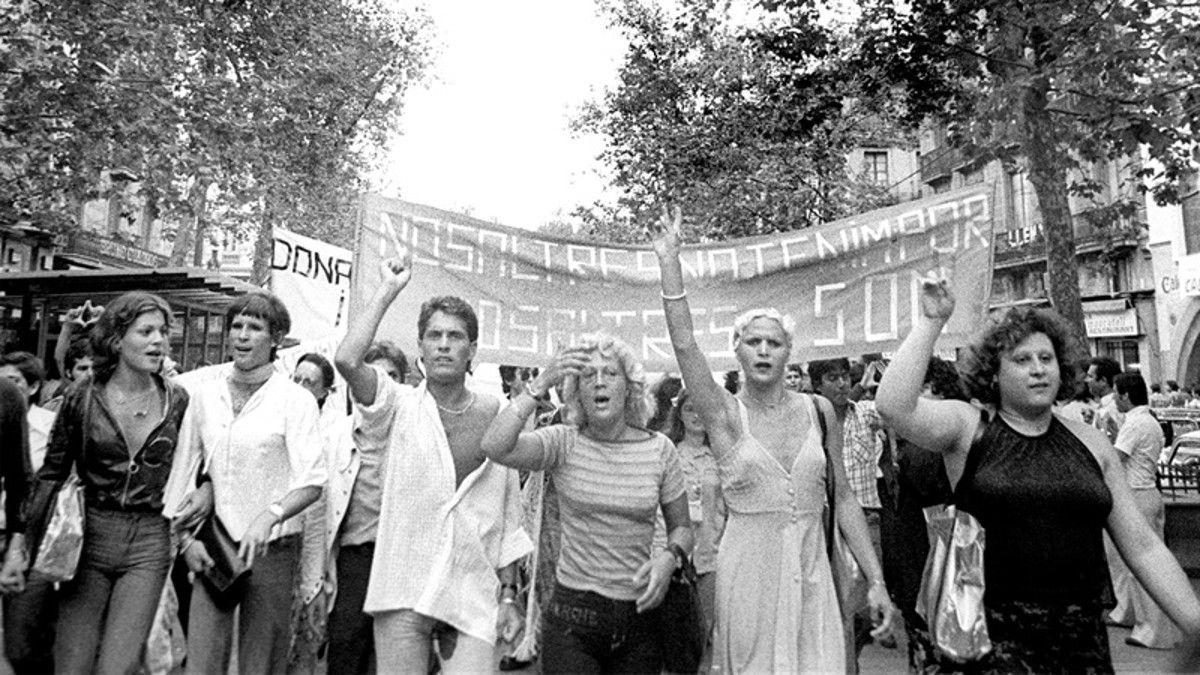Primera manifestación del orgullo gay, lésbico y transexual en Barcelona (1977) | FELGTB