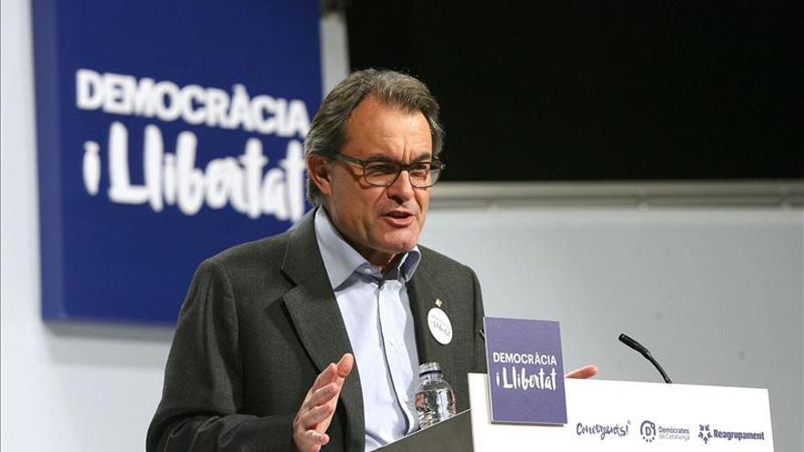 Mas ve inviable hacer una propuesta de reforma constitucional desde Cataluña