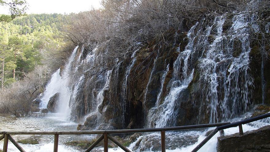 Cascada en el nacimiento del río Cuervo