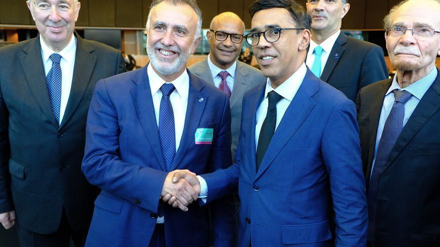 Torres, junto al presidente de la Comisión de Desarrollo Regional del Parlamento Europeo, Younous Omarjee