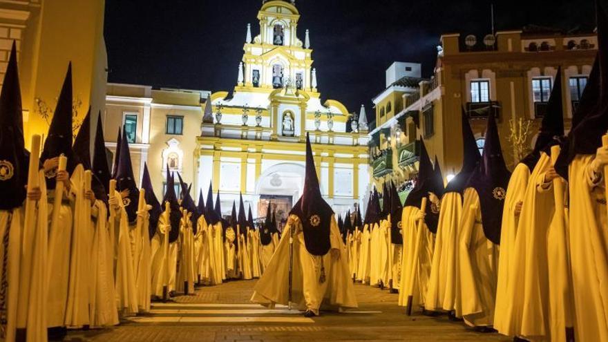 Suspenden la Semana Santa de Sevilla por el coronavirus