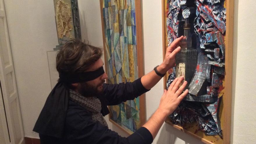 Arte a ciegas en la casa y estudio del pintor Amalio García del Moral, Sevilla.