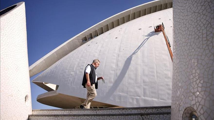 El Palau de Les Arts de Valencia vuelve a lucir el trencadís en su fachada