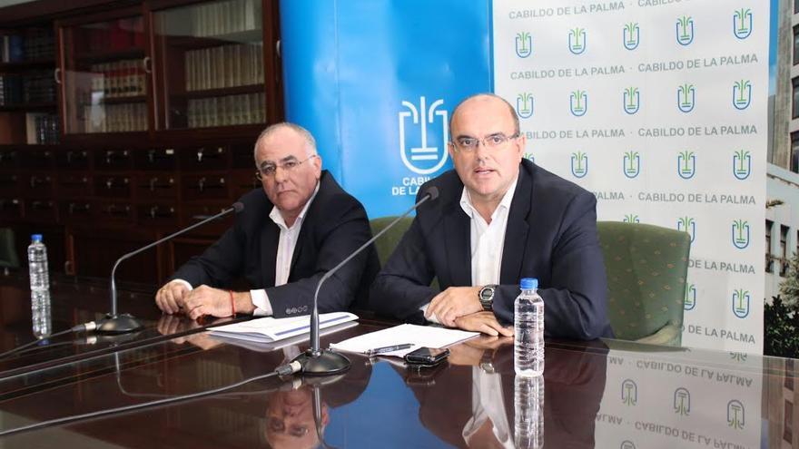 Carlos Cabrera y Anselmo Pestana, este viernes, en rueda de prensa.