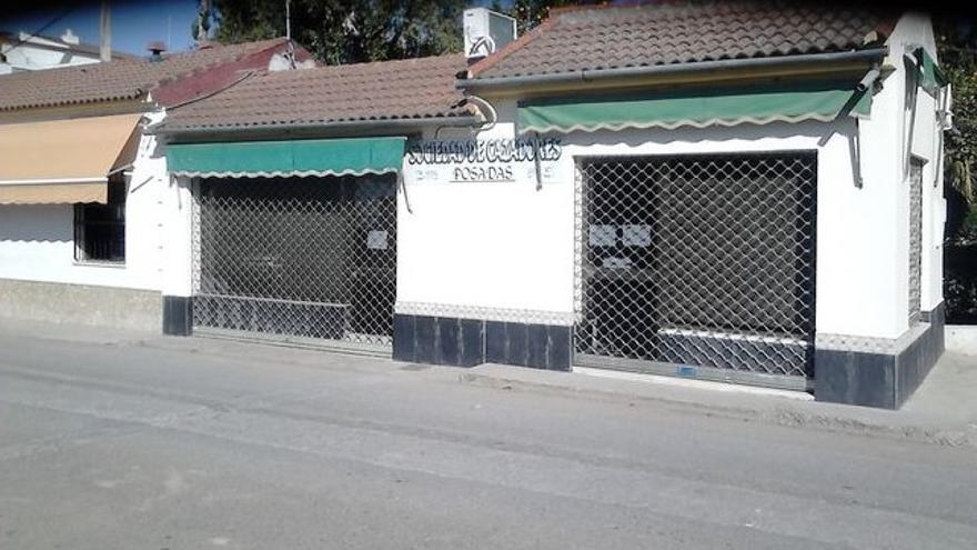 Local comercial situado en un paseo público de Posadas que ha inmatriculado la Iglesia a su nombre.