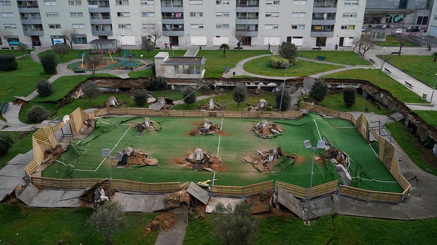 Hundimiento del parking de Nueva Montaña (Santander).   JOAQUÍN GÓMEZ SASTRE
