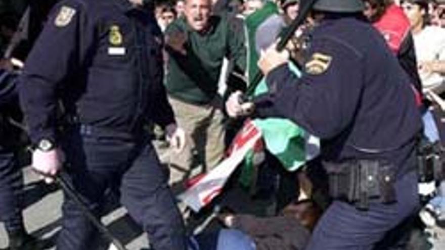Policia disturbio manifestacion