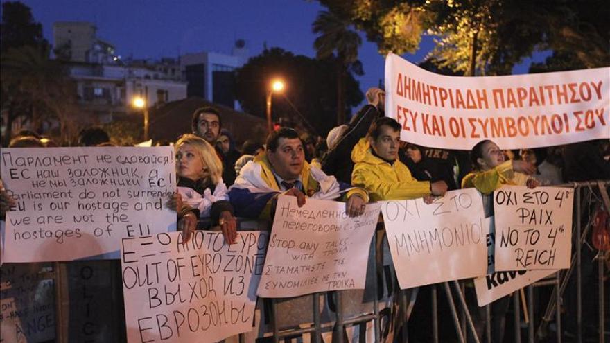 Las negociaciones sobre Chipre se trasladan a Bruselas en un momento crítico
