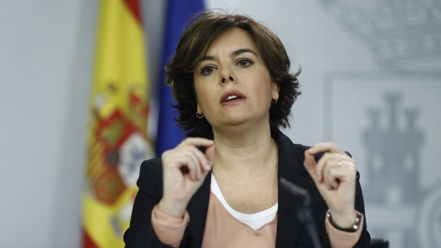 """El Gobierno avisa a los independentistas en Bruselas que están allí """"gracias a su DNI español"""" y la UE que critica"""