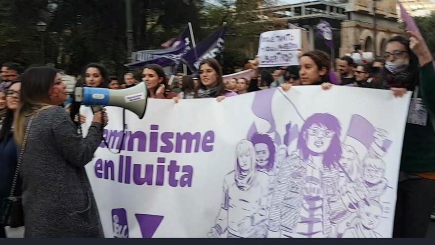 Marcha feminista el 8M de 2020 en Valencia.