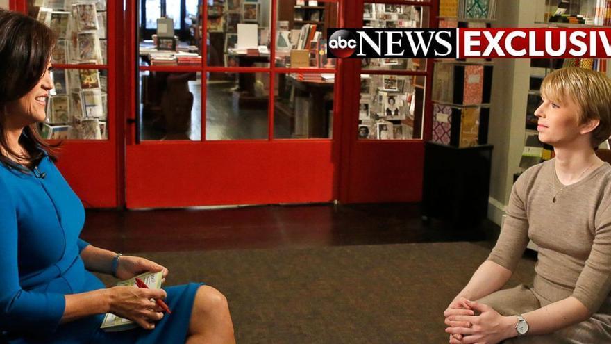 Chelsea Manning durante su entrevista en exclusiva con la cadena ABC.