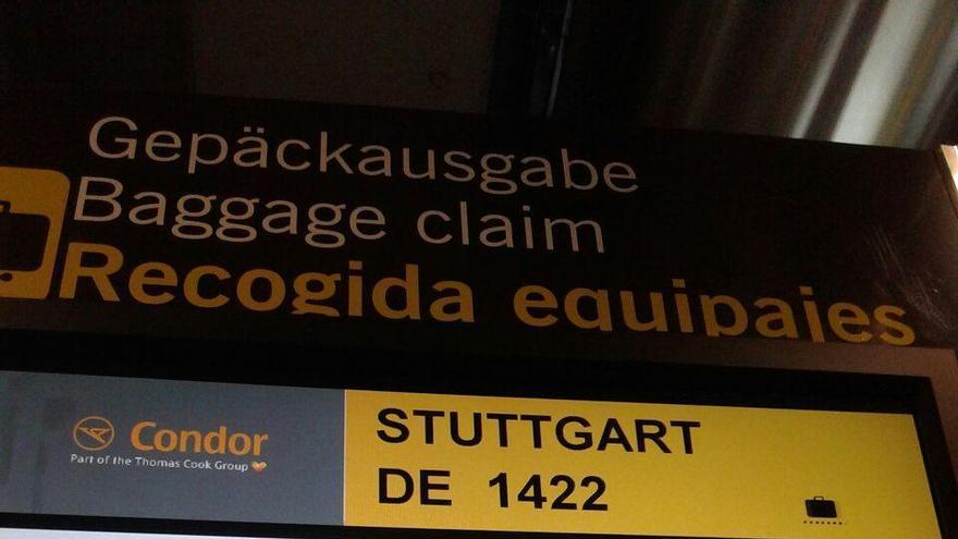 En el panel se indica el primer vuelo desde Oslo.