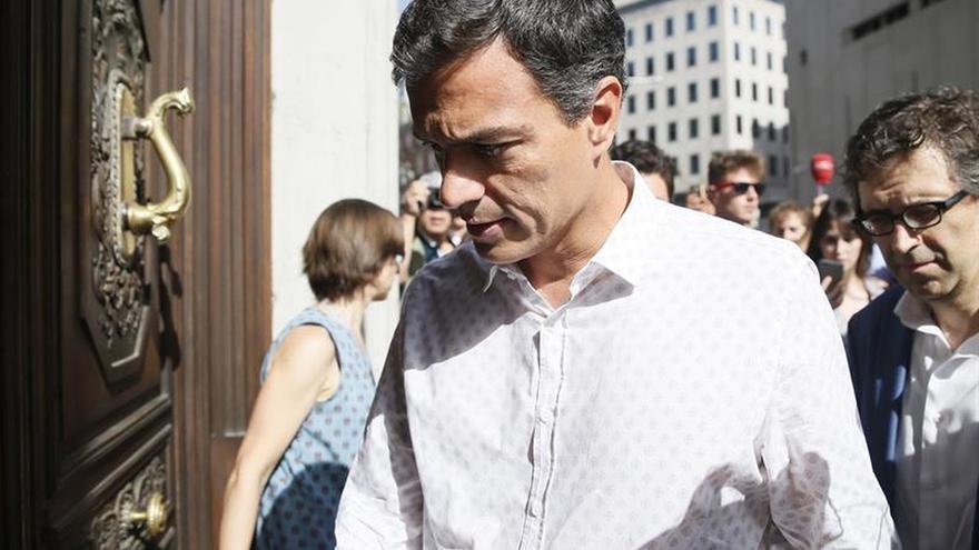 """Pedro Sánchez en su """"retorno"""" al Congreso: """"Vengo a trabajar"""""""