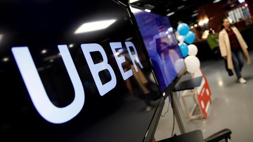 Fedetaxi denuncia en el Ayuntamiento de Madrid el servicio de UberVAN