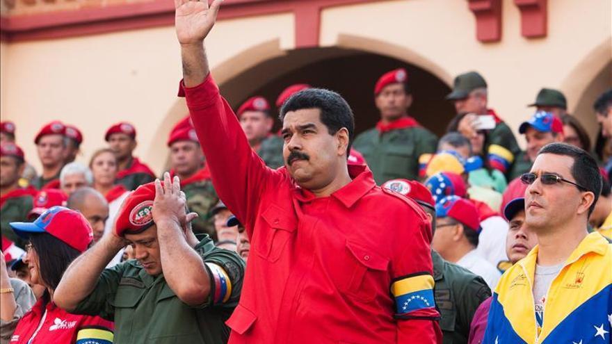 http://images.eldiario.es/politica/Gobierno-venezolano-recuerda-golpista-Chavez_EDIIMA20140205_0014_4.jpg