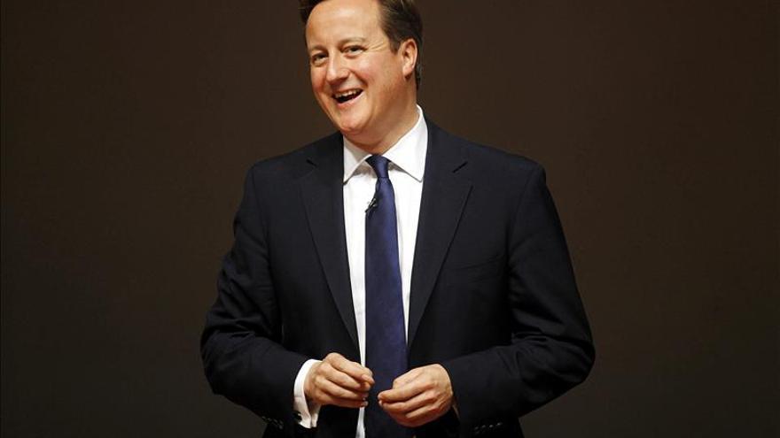 """Cameron dice a los escoceses que quiere que """"se queden"""" en el Reino Unido"""