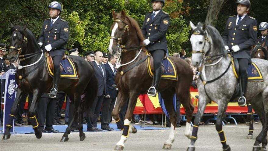 La Policía tiene letra para su nuevo himno, ya sin alusiones militares