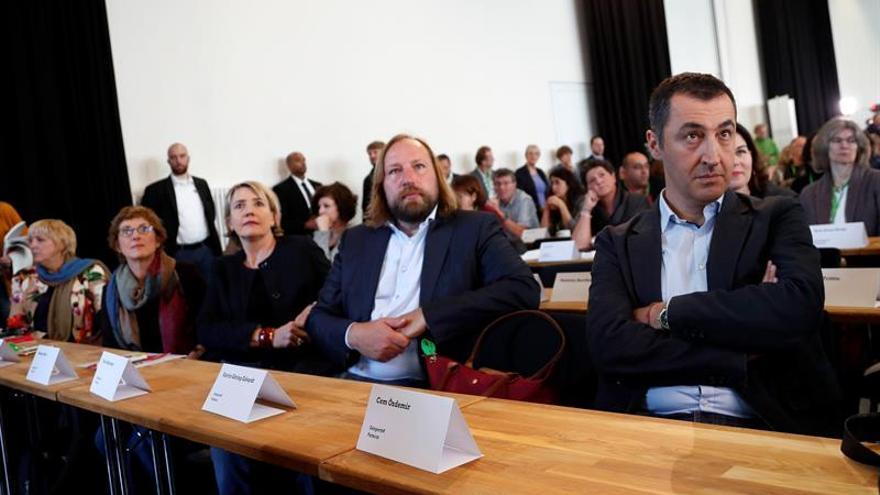 Verdes alemanes, dispuestos a negociar una coalición de Gobierno con Merkel