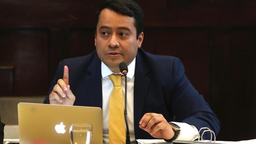 Jimmy Morales señala a exfiscal de investigarlo por aspiraciones políticas