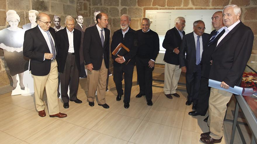 Familiares y amigos de Suárez le homenajean en su pueblo por su 80 cumpleaños