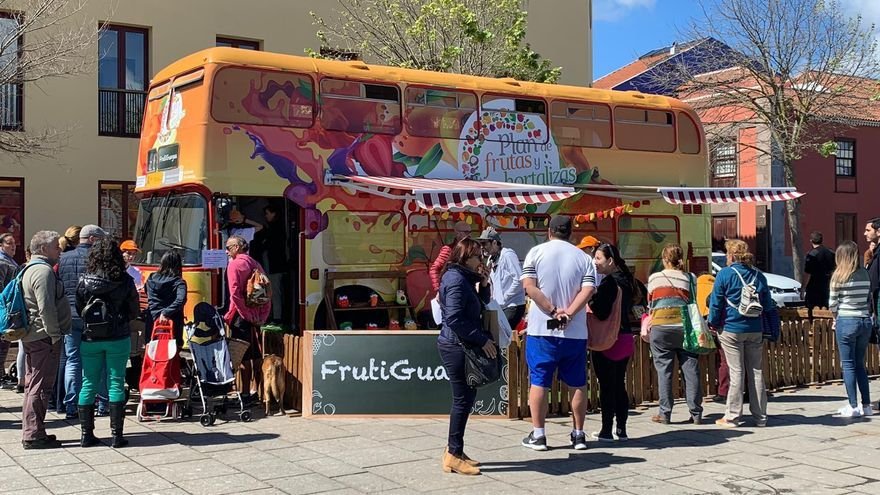 La 'frutiguagua' estuvo este fin de semana en el centro histórico de La Laguna