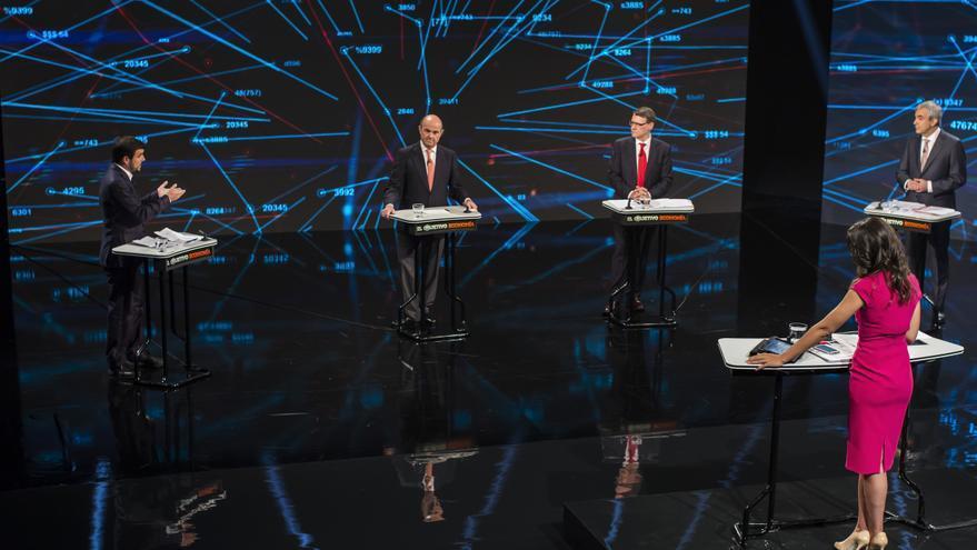 Los representantes de los cuatro partidos durante el debate económico en El Objetivo