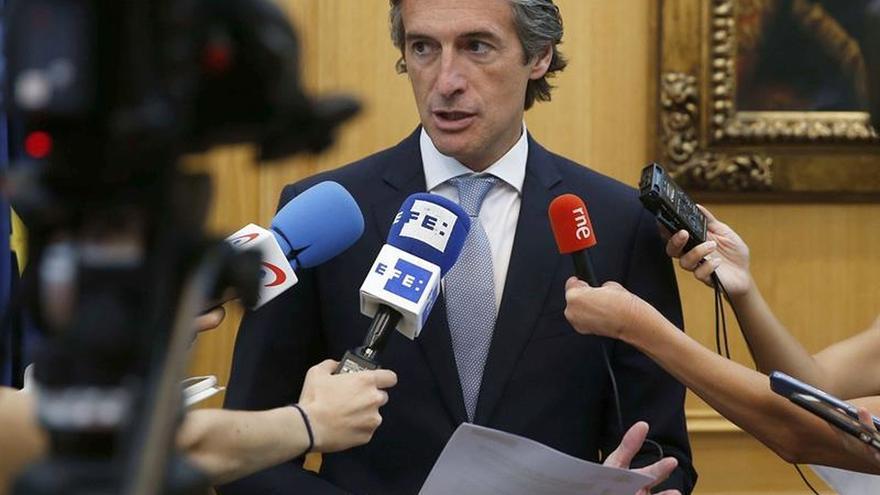 "De la Serna califica de ""razonable"" la propuesta de la Generalitat"