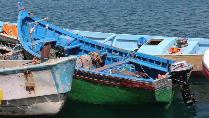 Rescatada una patera con 15 migrantes a bordo cuando se encontraba a 100 metros de la Playa de Tasarte