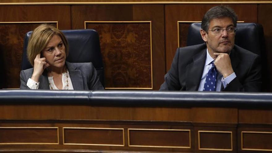 Imagen de archivo de María Dolores de Cospedal y Rafael Catalá.
