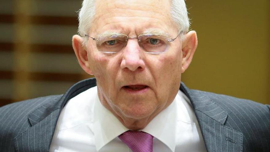 Schäuble defiende que exista suficiente regulación en el sistema financiero
