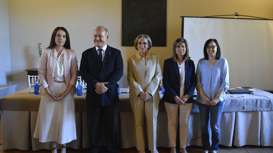 ELENA GUIJARRO, ELEGIDA PRIMERA MUJER DECANA DEL COLEGIO DE ARQUITECTOS DE CASTILLA-LA MANCHA