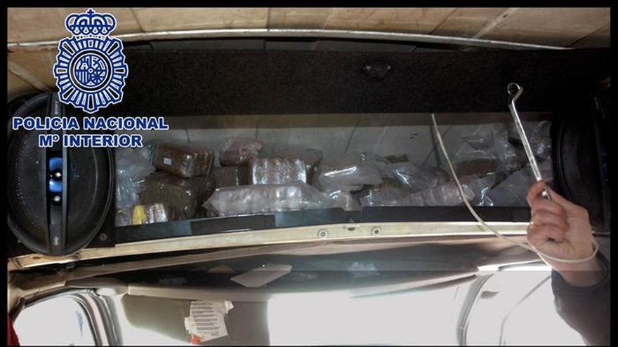 Detenido con 101 kilos de hachís en una furgoneta que usaba de almacén en Madrid