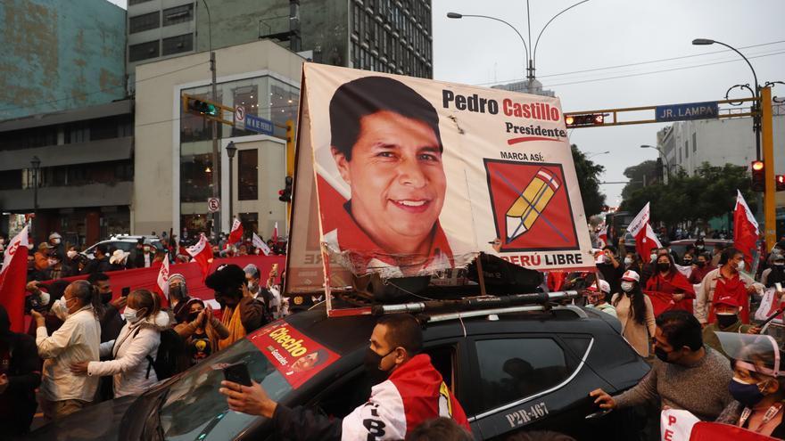 Castillo mantiene más de 50.000 votos sobre Fujimori con el conteo al 99,89%